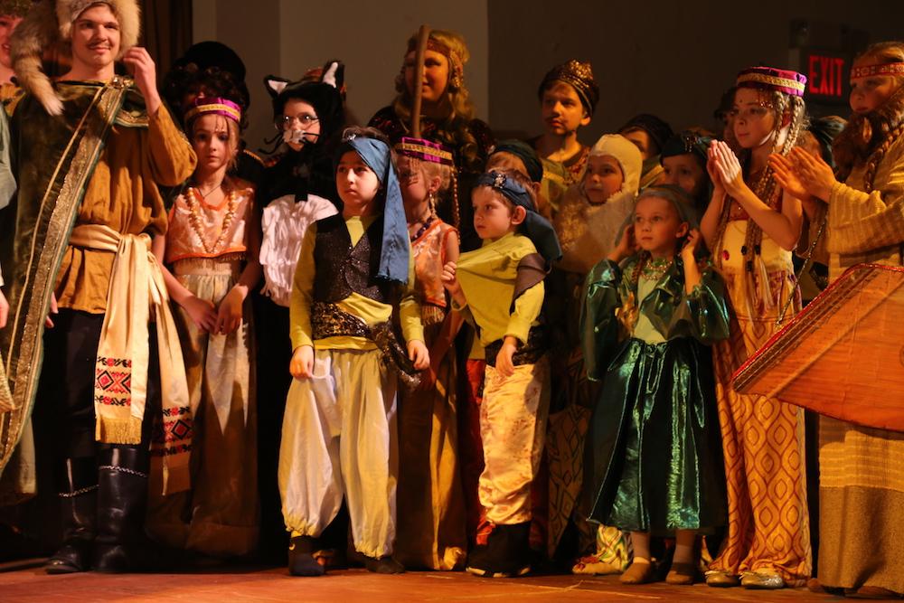 Руслан и Людмила: Дети на поклоне